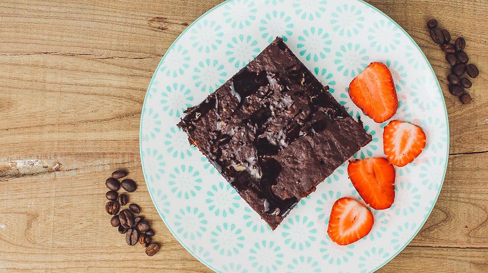 rezemo Sommer Rezept für einen veganen Espressokuchen mit Kakao und der rezemo Espresso Edition 4